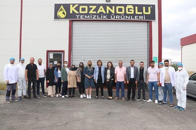 OSB Müdürümüz Emre Torun, Milletvekili Semiha Ekinci ile birlikte Kozanoğlu Temizlik Ürünleri firmasını ziyaret ettiler.