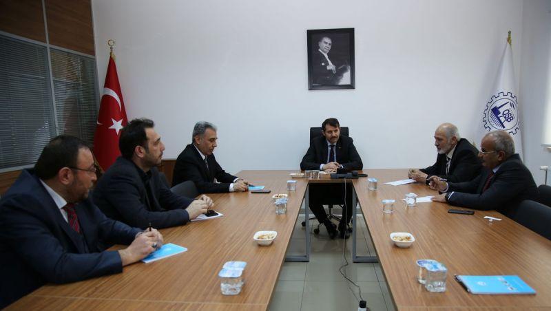 Valimiz Salih Ayhan, OSB'de Sivas Organize Sanayi Bölgesi Sanayicileri Derneğini Ziyareti